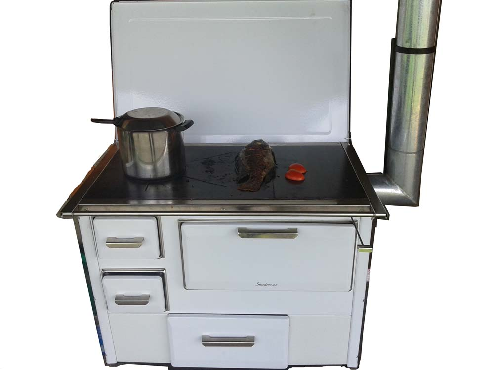Kitchen Firewood Cook Stove & Oven from Italy for Sale. Environmentally friendly and smoke free firewood stove. Uses less wood and can save you lots of money on purchasing wood or charcoal.